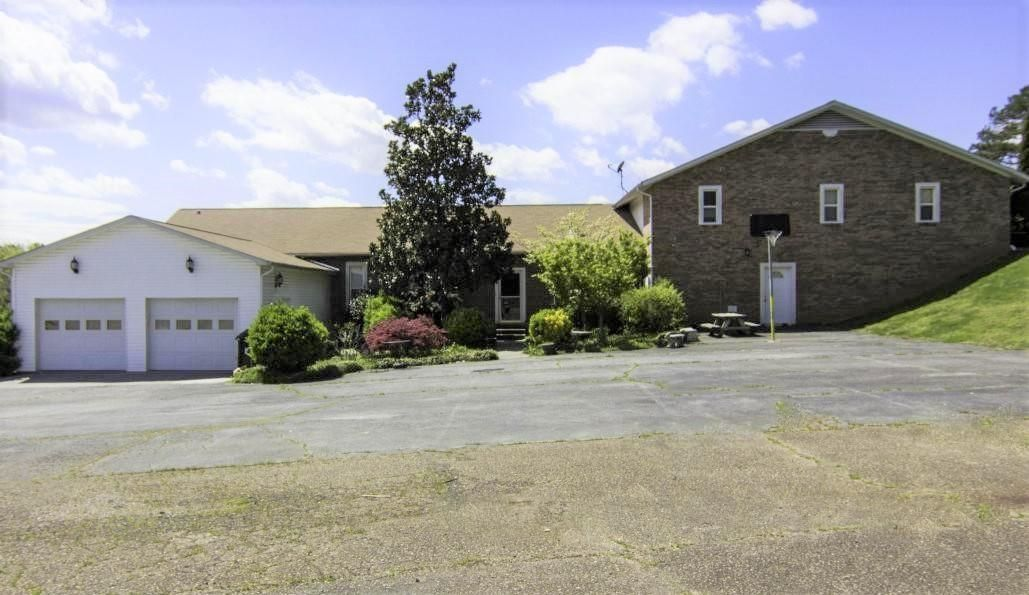 Multi-Family Home for Sale at 3462 Hines Valley Road 3462 Hines Valley Road Lenoir City, Tennessee 37771 United States