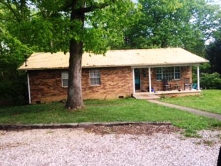 Частный односемейный дом для того Продажа на 720 Poplar Lane 720 Poplar Lane Winfield, Теннесси 37892 Соединенные Штаты