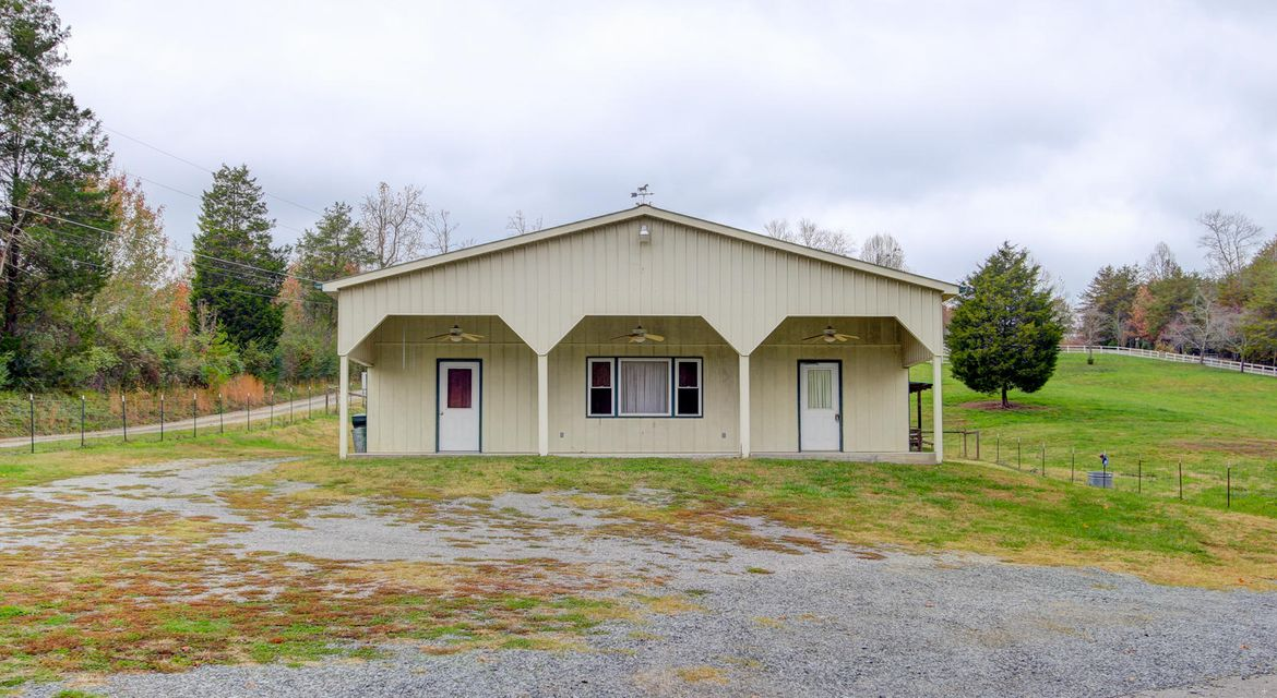 Single Family Home for Sale at 2776 Hinds Creek Road 2776 Hinds Creek Road Heiskell, Tennessee 37754 United States