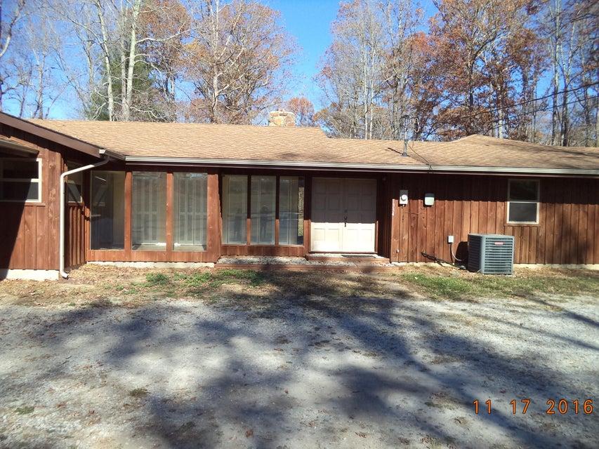 Maison unifamiliale pour l Vente à 1334 Old Jamestown Road 1334 Old Jamestown Road Helenwood, Tennessee 37755 États-Unis