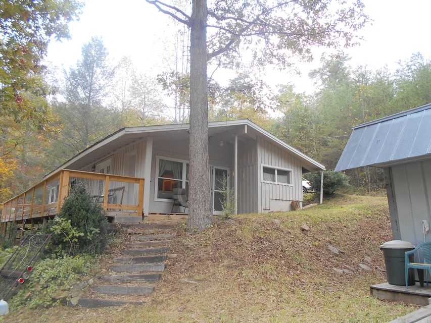 Single Family Home for Sale at 200 Cove Hollow Road 200 Cove Hollow Road Cosby, Tennessee 37722 United States