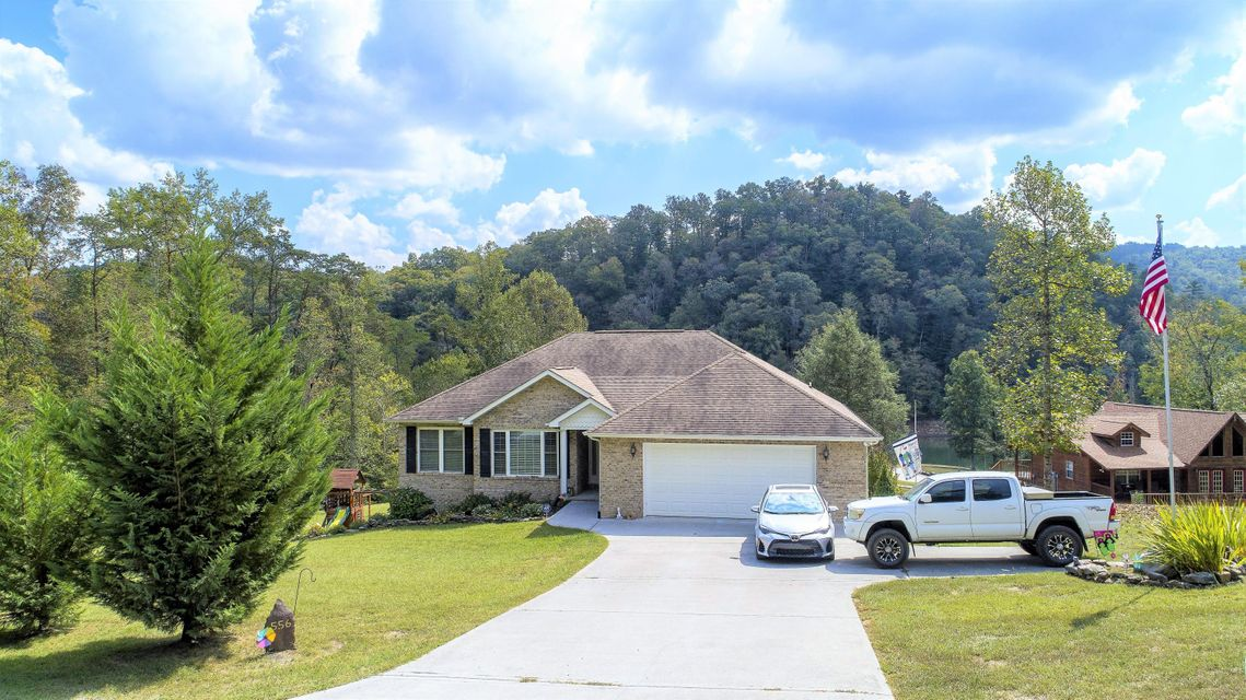Casa Unifamiliar por un Venta en 556 Black Fox Harbor 556 Black Fox Harbor Washburn, Tennessee 37888 Estados Unidos