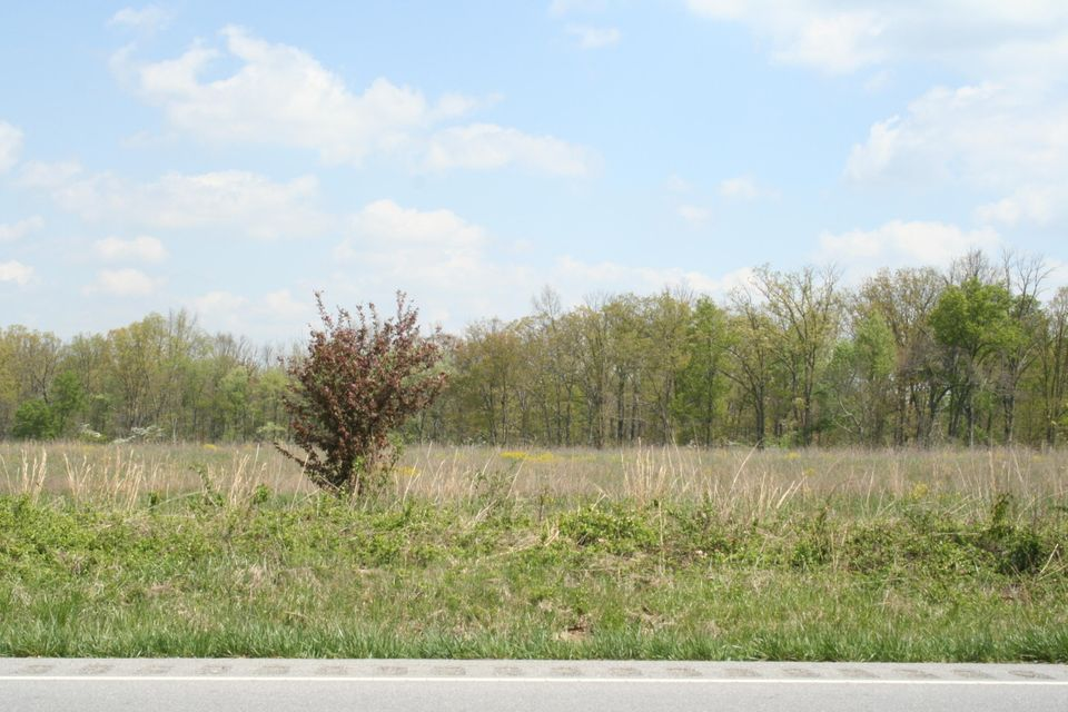 Additional photo for property listing at Hwy 70 N Hwy 70 N Crossville, Tennessee 38571 États-Unis