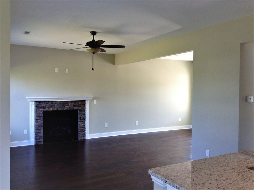 Additional photo for property listing at 105 Grassy Knoll Way 105 Grassy Knoll Way Louisville, Теннесси 37777 Соединенные Штаты