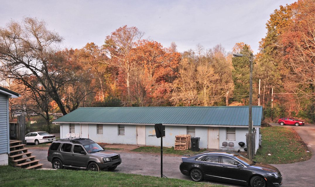 Multi-Family Home for Sale at 608 Lester Road 608 Lester Road Knoxville, Tennessee 37920 United States