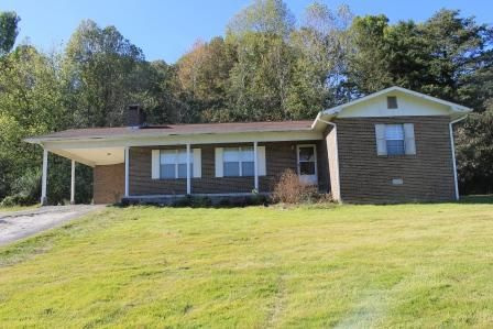 独户住宅 为 销售 在 264 Oak Street 264 Oak Street Helenwood, 田纳西州 37755 美国