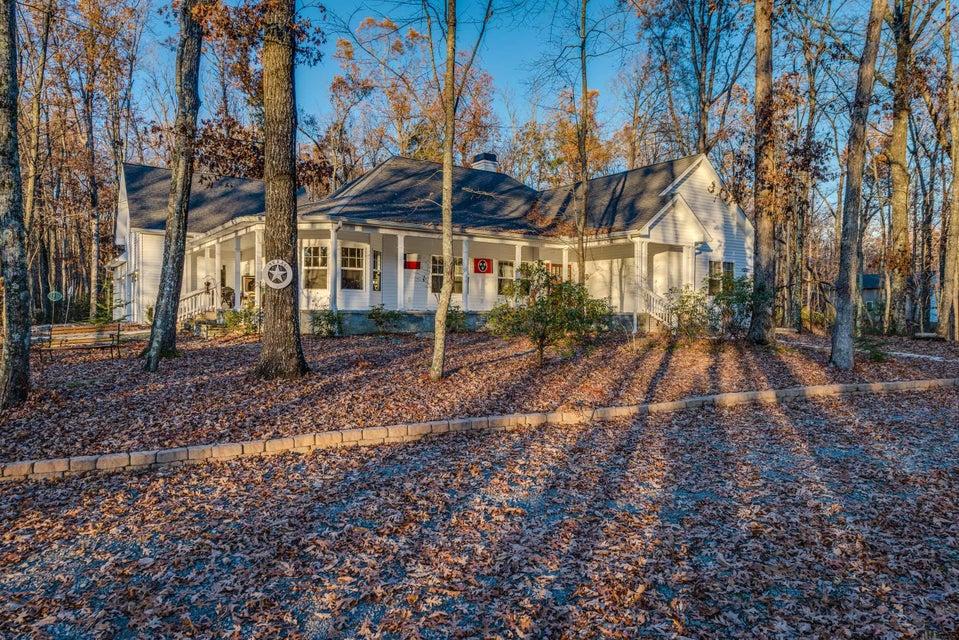 Частный односемейный дом для того Продажа на 630 Cliff Park Road 630 Cliff Park Road Monterey, Теннесси 38574 Соединенные Штаты