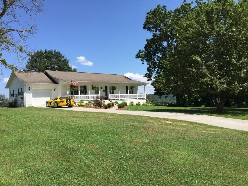 Maison unifamiliale pour l Vente à 500 Deer Ridge Road 500 Deer Ridge Road Rutledge, Tennessee 37861 États-Unis