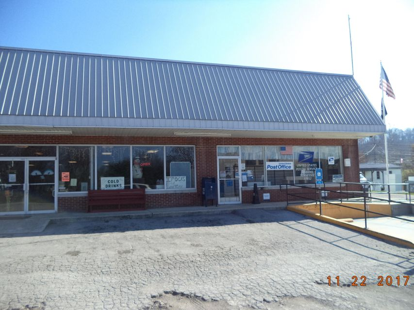 Additional photo for property listing at 5900 Scott Hwy 5900 Scott Hwy Robbins, Tennessee 37852 États-Unis
