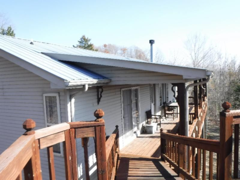 Single Family Home for Sale at 3200 Livingston Hwy Hwy 3200 Livingston Hwy Hwy Celina, Tennessee 38551 United States