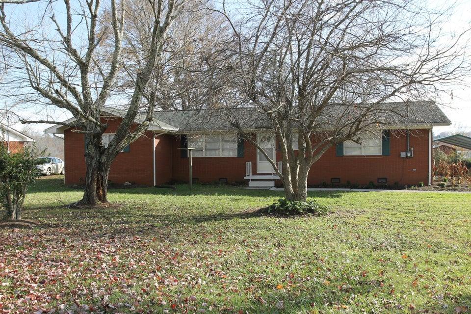 独户住宅 为 销售 在 1243 S Old Sevierville Pike 1243 S Old Sevierville Pike 西摩, 田纳西州 37865 美国