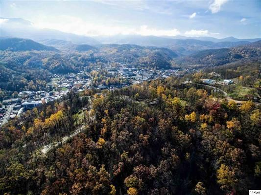 Земля для того Продажа на Fairview Road- Ivy Street Fairview Road- Ivy Street Gatlinburg, Теннесси 37738 Соединенные Штаты