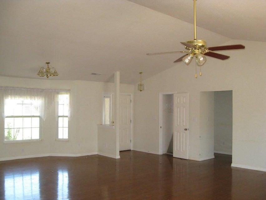 独户住宅 为 销售 在 1246 Lori Ellen Court 1246 Lori Ellen Court 西摩, 田纳西州 37865 美国