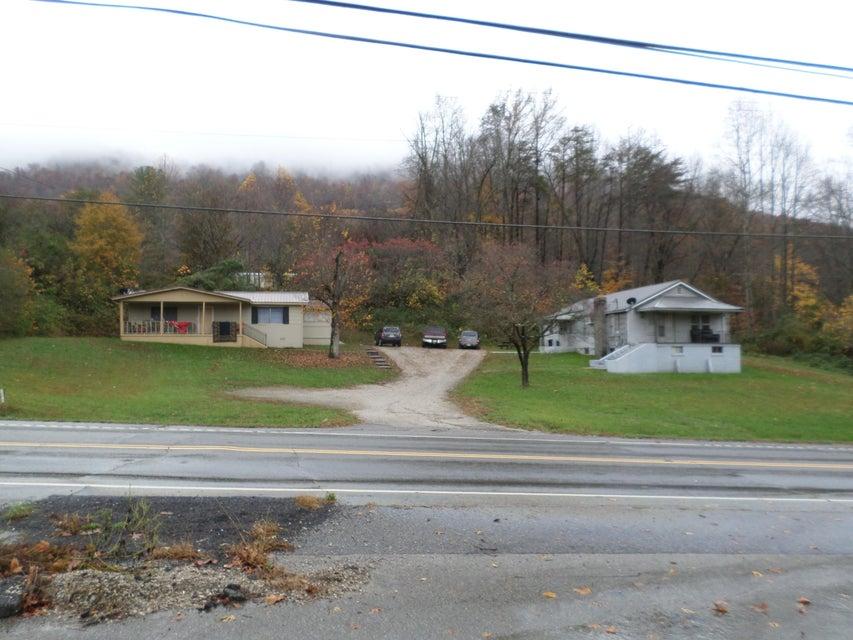 Maison unifamiliale pour l Vente à 1886 Fifth Street 1886 Fifth Street Jellico, Tennessee 37762 États-Unis