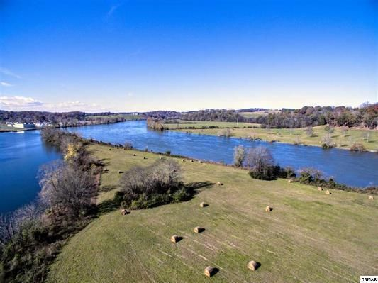 Additional photo for property listing at Parcel 23 Two Rivers Business Center Parcel 23 Two Rivers Business Center Sevierville, Tennessee 37876 United States