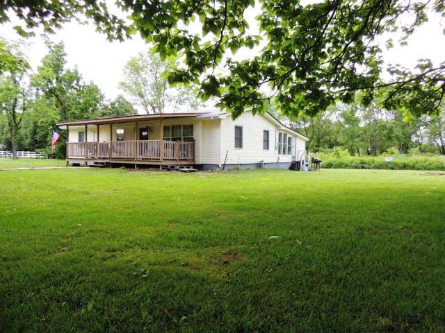 Частный односемейный дом для того Продажа на 75 First Street 75 First Street Crab Orchard, Теннесси 37723 Соединенные Штаты
