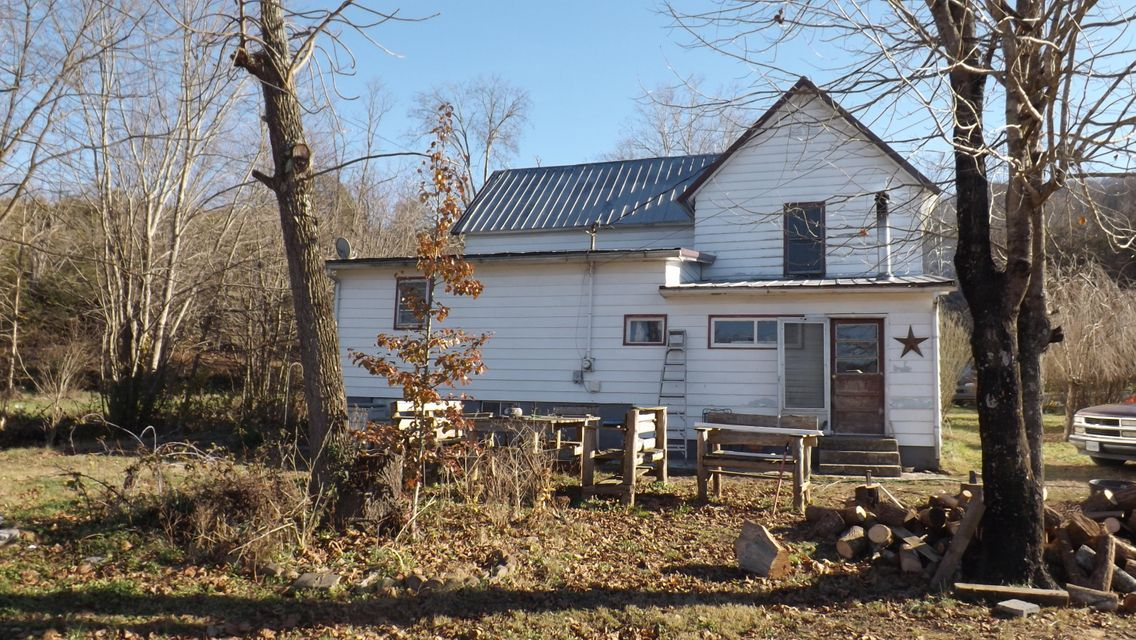 Additional photo for property listing at 2116 Old Woodway Road 2116 Old Woodway Road Jonesville, Virginia 24263 Estados Unidos