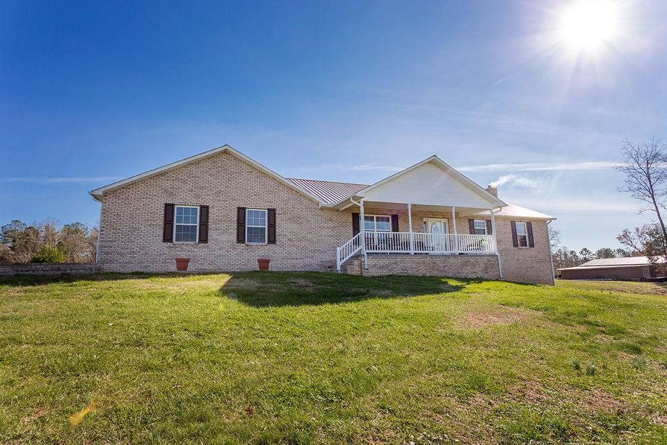 Single Family Home for Sale at 4799 Ross Road 4799 Ross Road Philadelphia, Tennessee 37846 United States