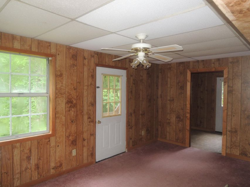 Additional photo for property listing at 1399 N York Highway 1399 Hwy 1399 N York Highway 1399 Hwy Jamestown, 田纳西州 38556 美国