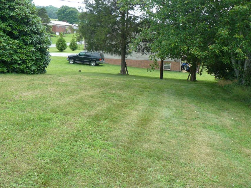 Additional photo for property listing at 357 Dogwood Road 357 Dogwood Road New Tazewell, Tennessee 37825 United States