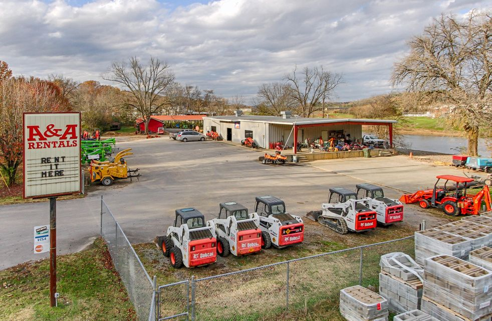 Commercial for Sale at 608 Old Knoxville Highway Hwy 608 Old Knoxville Highway Hwy Sevierville, Tennessee 37862 United States