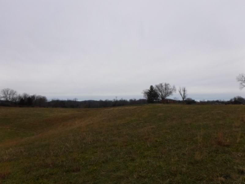 Additional photo for property listing at 5.02 Franks Ferry 5.02 Franks Ferry Sparta, Tennessee 38583 Estados Unidos