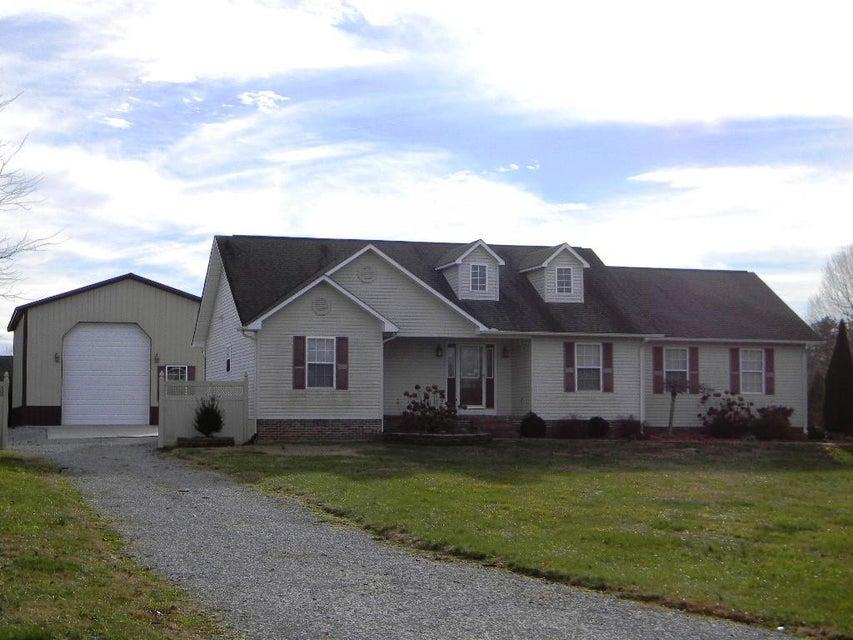 Частный односемейный дом для того Продажа на 2267 Sunset Ridge Drive 2267 Sunset Ridge Drive Crossville, Теннесси 38571 Соединенные Штаты