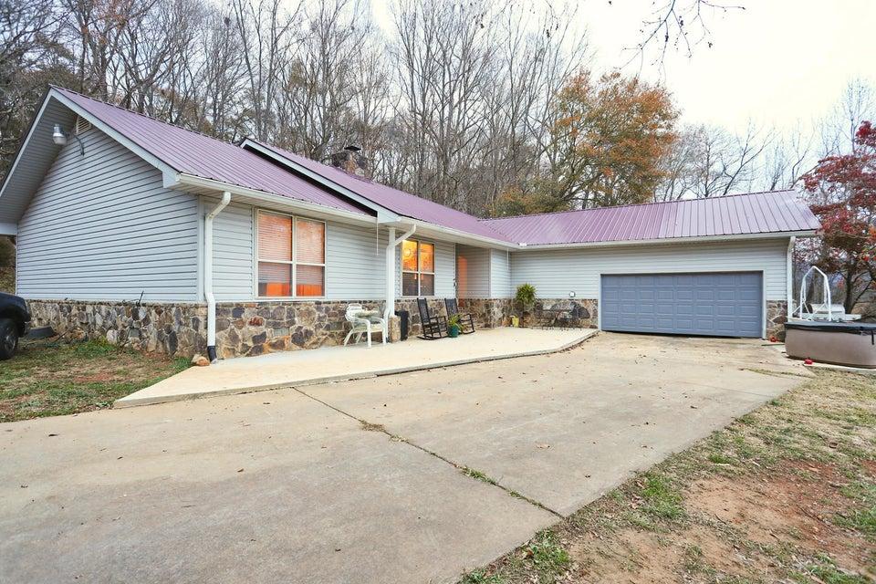 Частный односемейный дом для того Продажа на 418 Circle R Drive 418 Circle R Drive Benton, Теннесси 37307 Соединенные Штаты