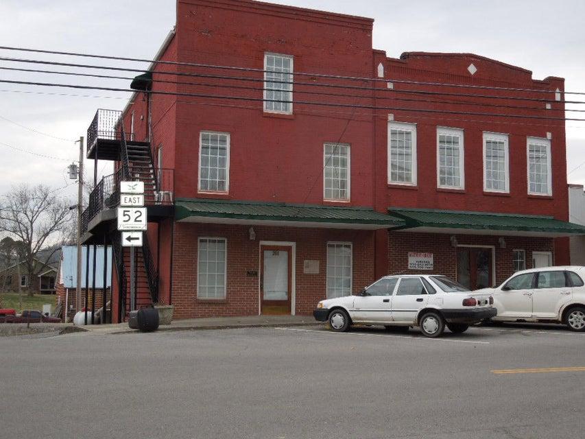 Многосемейный дом для того Продажа на 201 W West Lake Avenue Avenue 201 W West Lake Avenue Avenue Celina, Теннесси 38551 Соединенные Штаты