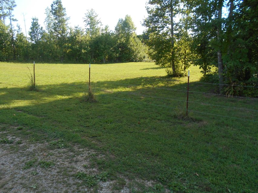Additional photo for property listing at 485 County Road 298 485 County Road 298 Sweetwater, Tennessee 37874 Estados Unidos