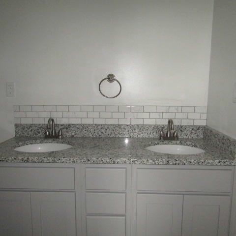 Additional photo for property listing at 106 John Louise Lane 106 John Louise Lane Jacksboro, Tennessee 37757 États-Unis