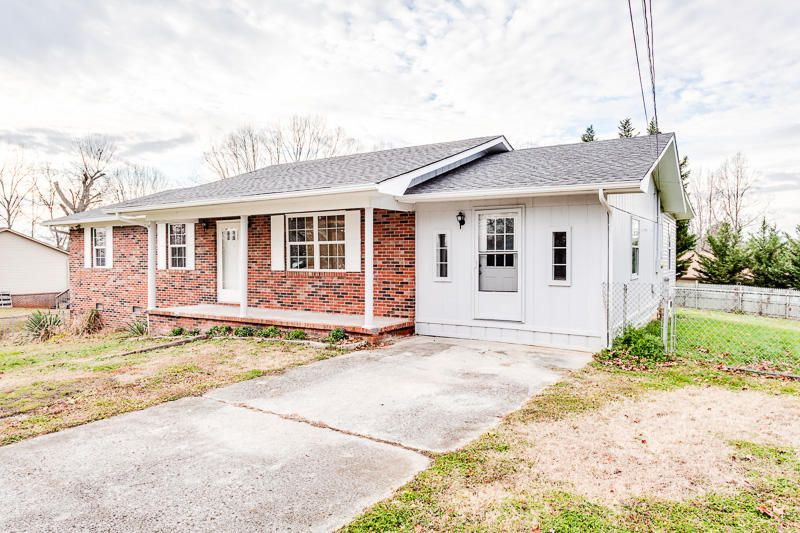 Additional photo for property listing at 12449 Buttermilk Road 12449 Buttermilk Road Knoxville, Tennessee 37932 United States