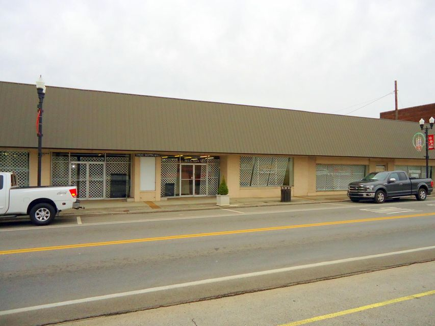 Commercial for Sale at 501 & 511 Main Street 501 & 511 Main Street Sweetwater, Tennessee 37874 United States