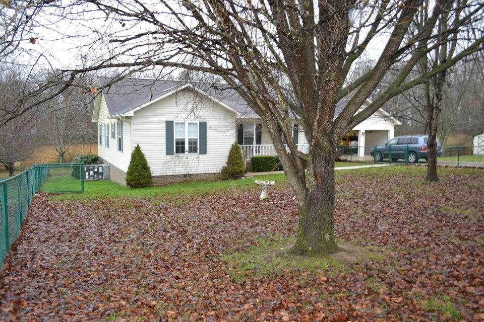 Single Family Home for Sale at 892 Norris Road 892 Norris Road Clarkrange, Tennessee 38553 United States