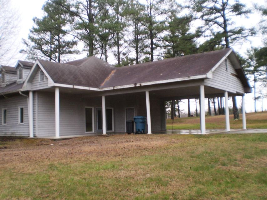 Additional photo for property listing at 114 Tennessee Avenue 114 Tennessee Avenue Crossville, Tennessee 38555 United States