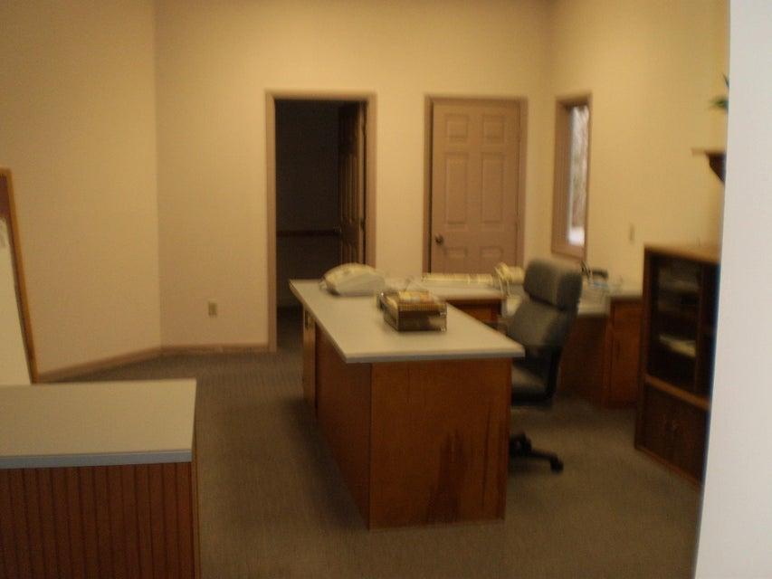 Additional photo for property listing at 114 Tennessee Avenue 114 Tennessee Avenue Crossville, Tennessee 38555 Estados Unidos