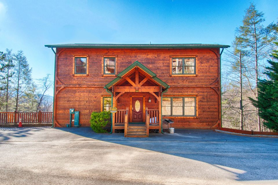 Single Family Home for Sale at 810 Great Smoky Way 810 Great Smoky Way Gatlinburg, Tennessee 37738 United States