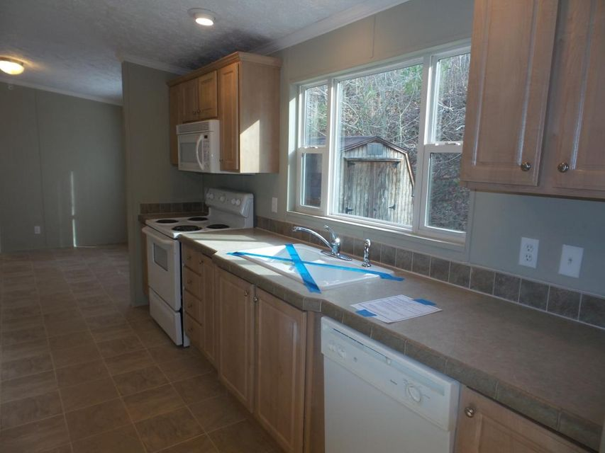 Additional photo for property listing at 695 Mahoney Road 695 Mahoney Road Oliver Springs, Tennessee 37840 Estados Unidos