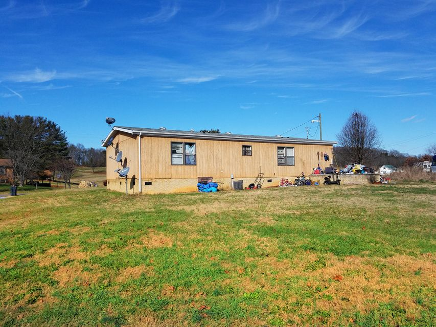 Additional photo for property listing at 2350 Three Springs Road 2350 Three Springs Road Russellville, Tennessee 37860 United States