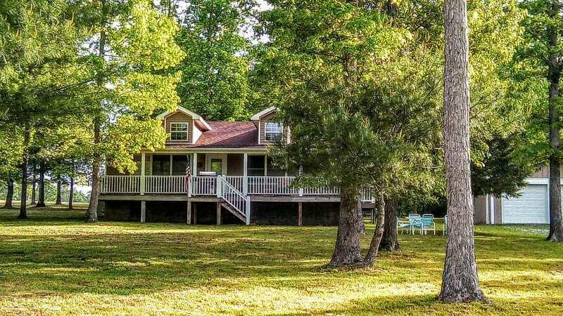 Casa Unifamiliar por un Venta en 3158 Nashville Hwy 3158 Nashville Hwy Lancing, Tennessee 37770 Estados Unidos