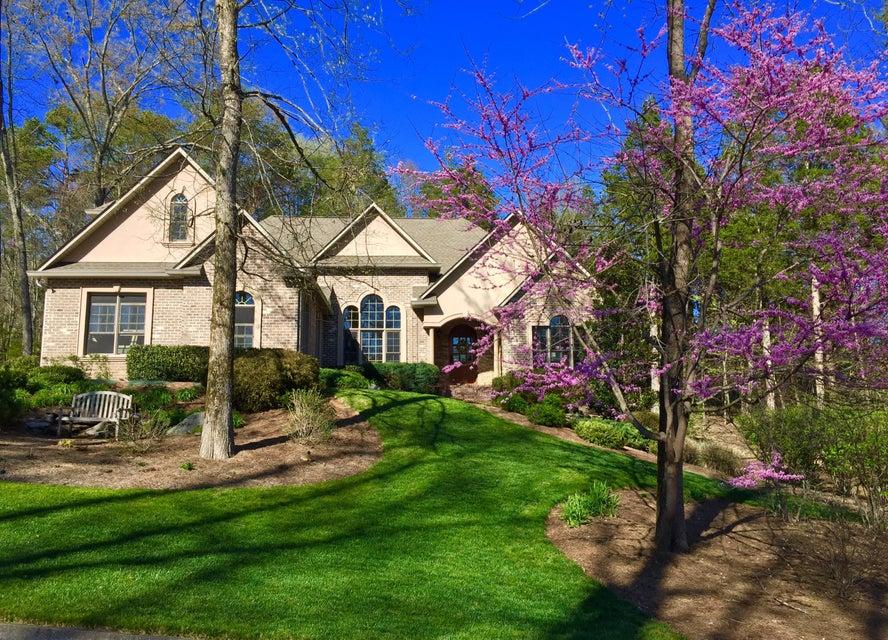 Частный односемейный дом для того Продажа на 130 Palmer Place 130 Palmer Place Clinton, Теннесси 37716 Соединенные Штаты