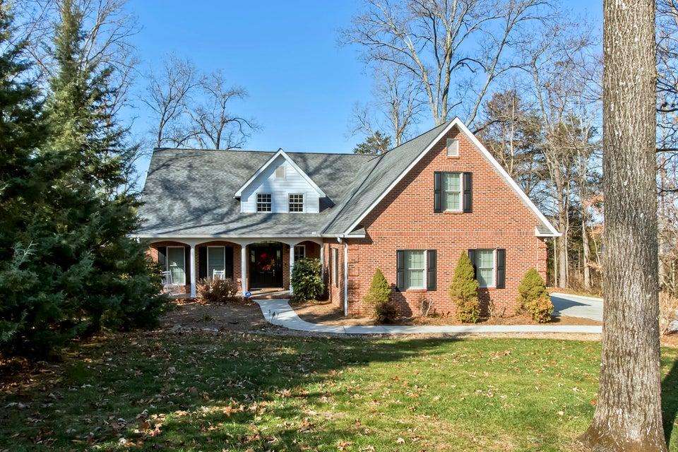 Частный односемейный дом для того Продажа на 236 Chickasaw Lane 236 Chickasaw Lane Loudon, Теннесси 37774 Соединенные Штаты