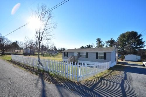 Single Family Home for Sale at 2311 Country Club Drive 2311 Country Club Drive Johnson City, Tennessee 37601 United States