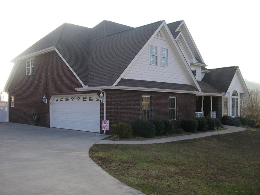 Single Family Home for Sale at 141 Fairway Drive 141 Fairway Drive Mooresburg, Tennessee 37811 United States