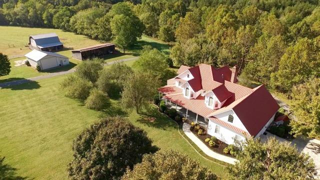 Частный односемейный дом для того Продажа на 13029 Martin Creek Road 13029 Martin Creek Road Bloomington Springs, Теннесси 38545 Соединенные Штаты