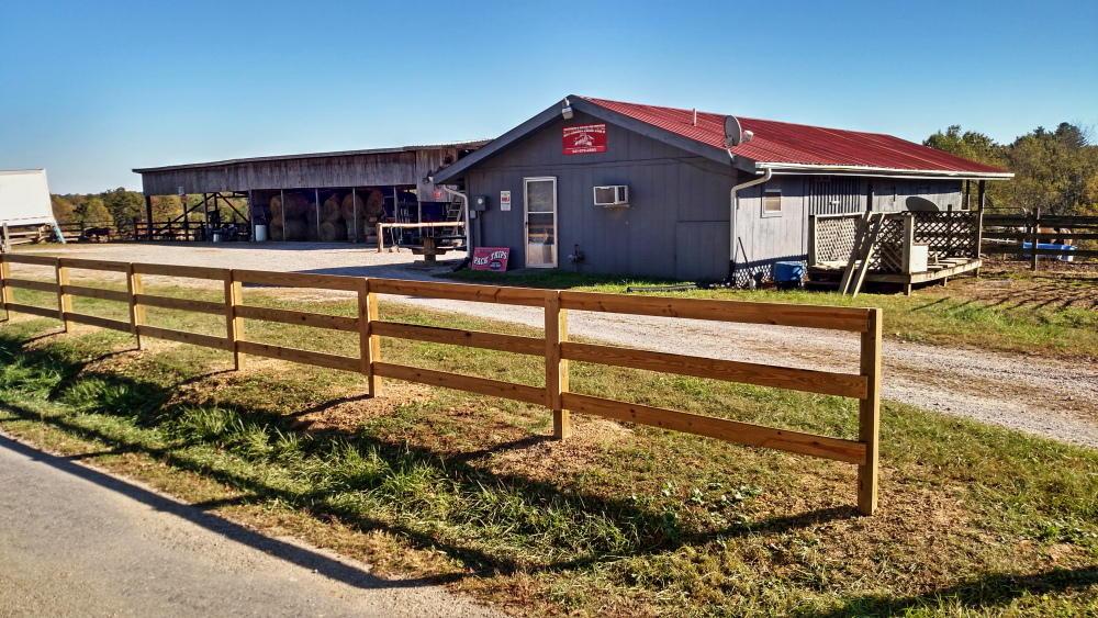 Частный односемейный дом для того Продажа на 276 Dewey Burke Road 276 Dewey Burke Road Jamestown, Теннесси 38556 Соединенные Штаты