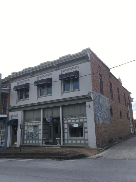Commercial for Sale at 120 /122 N Jackson 120 /122 N Jackson Athens, Tennessee 37303 United States