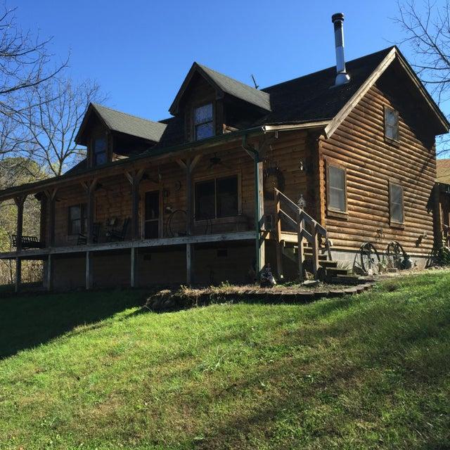 独户住宅 为 销售 在 495 Raven Fork Road 495 Raven Fork Road Tazewell, 田纳西州 37879 美国