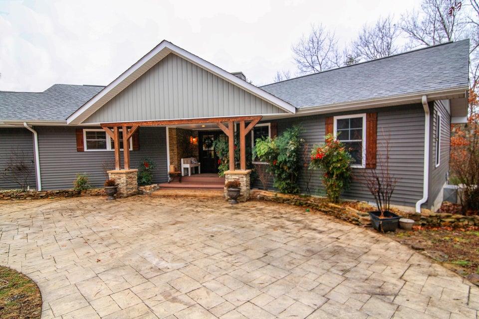 Частный односемейный дом для того Продажа на 1280 Sunset Ridge Drive 1280 Sunset Ridge Drive Crossville, Теннесси 38571 Соединенные Штаты