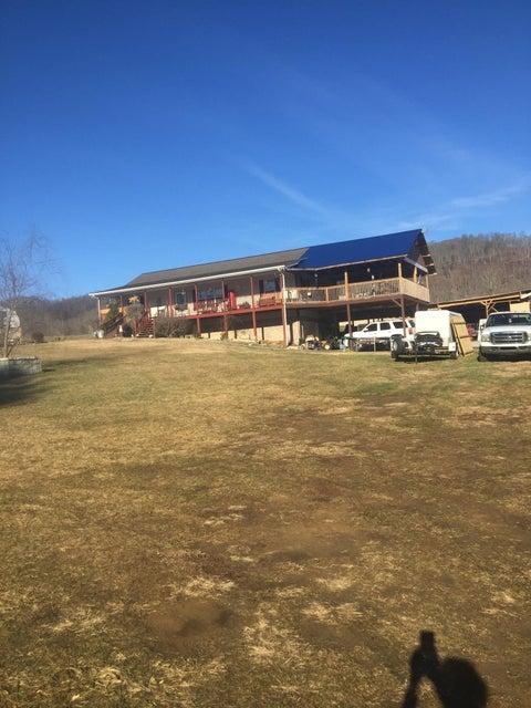 Maison unifamiliale pour l Vente à 921 Tater Valley Road 921 Tater Valley Road Luttrell, Tennessee 37779 États-Unis